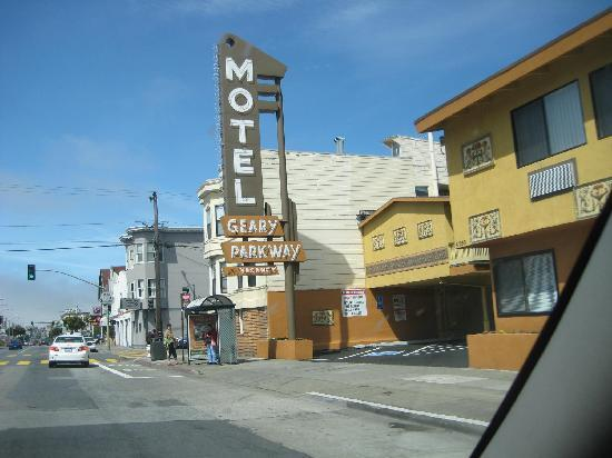 Geary Parkway Motel: Entrance