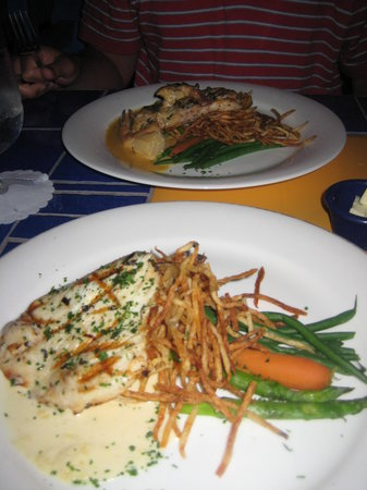 Calypso Grill: Grilled wahoo!