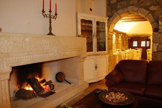 Santu Lussurgiu, Italien: Il bellissimo caminetto...