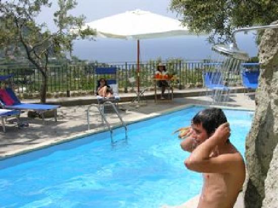 Appartamenti PietraVerde: Piscina
