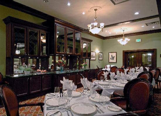Hotel Colorado: Baron's Restaurant