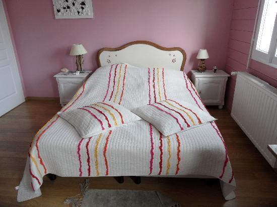 Villa Fleur d'ecume : Le lit (magnifique)