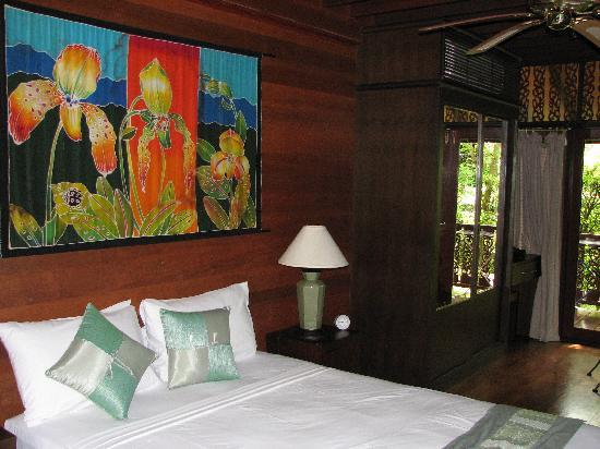 Coconut Paradise Resort: First floor bedroom of Coconut Paradise P2