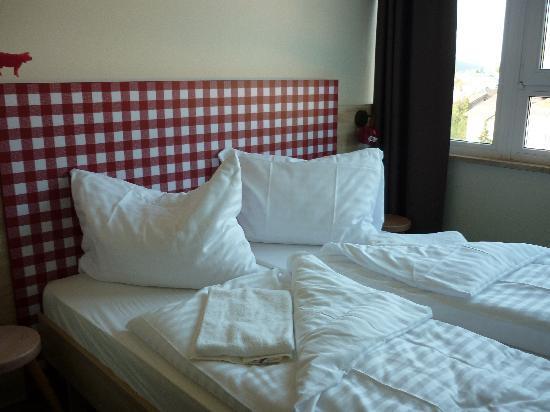 MEININGER Hotel Salzburg City Center: nice room