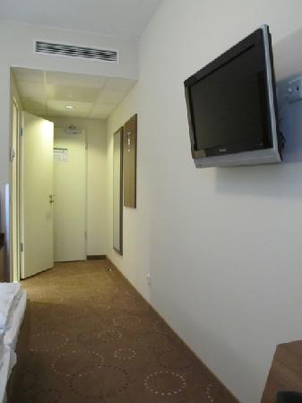 Best Western Hotel City Ost: Eingangsbereich und Fernseher