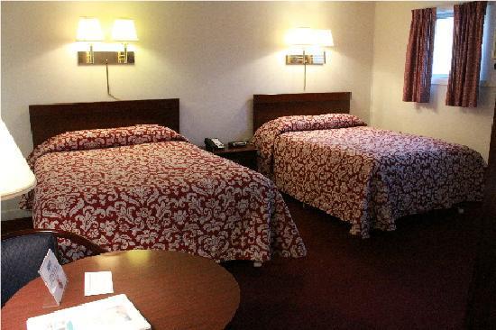 Berkshire Inn: Deluxe rooms with 2 Queen Beds