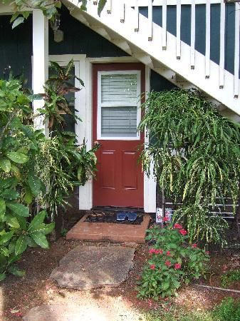 Hale Puka 'Ana: side entrance to our suite