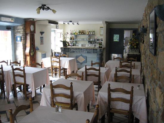 Hotel Pikassaria : salle de restaurant très agréable