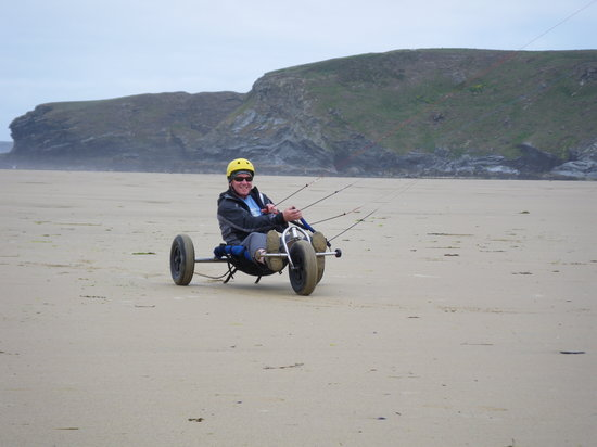 Vertical Descents Cornwall : Kite buggying day on the beach with a permenant grin