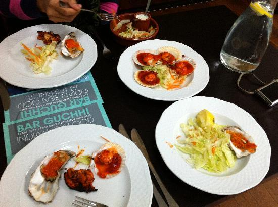 Guchhi Indian Restaurant: The Tapas's- scallops, Oysters and King Praws