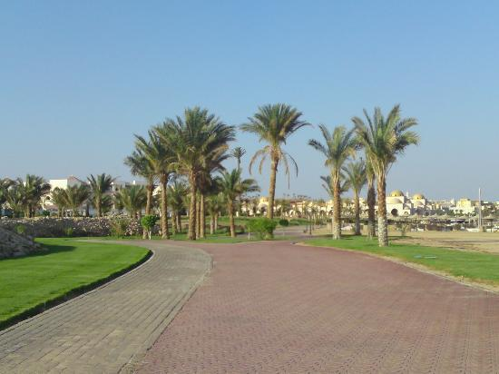 Premier Le Reve Hotel & Spa (Adults Only) : Walk upto Sahl Hasheesh