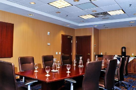 Courtyard Fargo Moorhead, MN: Executive Boardroom