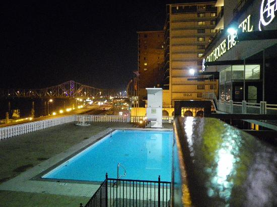The galt house louisville architectural designs for Pool design louisville ky