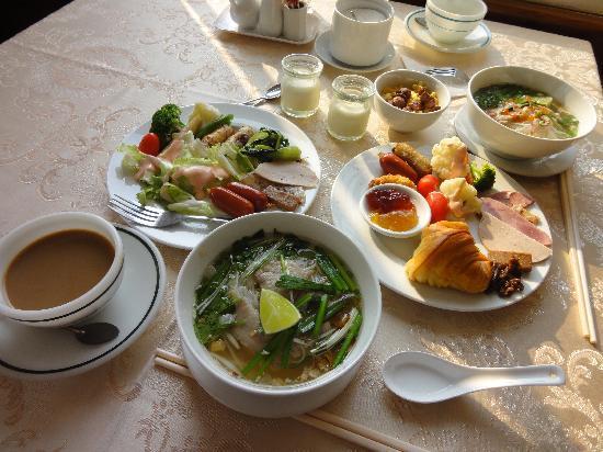 Saigon Hotel: 朝食バイキング