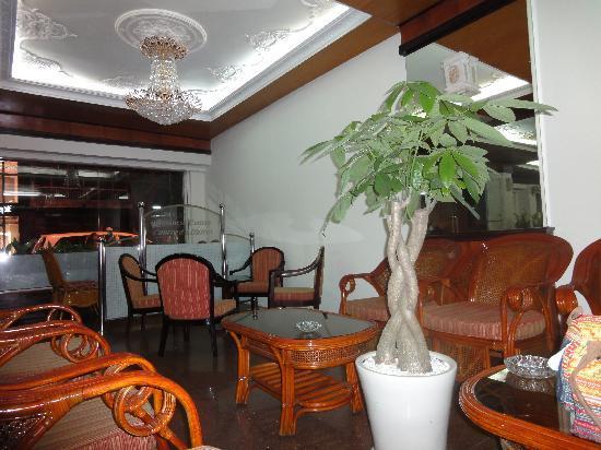 Saigon Hotel: ロビー
