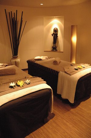 East Day Spa: Massage Beds