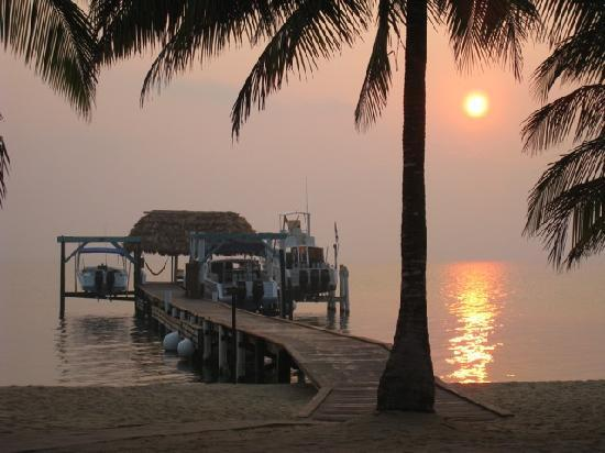 Hamanasi Adventure and Dive Resort: Sunrise at Hamanasi