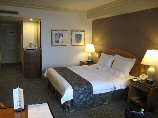 Grand Hi-Lai Hotel Kaohsiung: 客室はキレイで広々