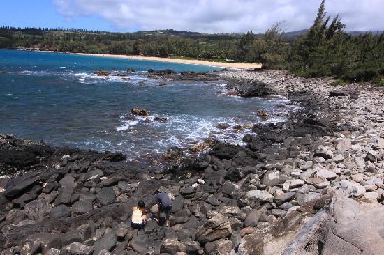 Dragon's Teeth: Climb down the rocks to the beach