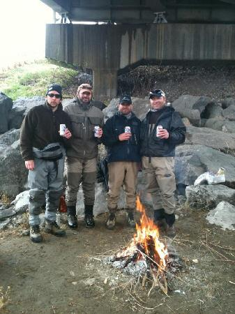 Montana Fishing Outfitters: Drying off under the Bridge and having lunch!