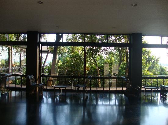 Heritance Kandalama: Hotel Lobby Space