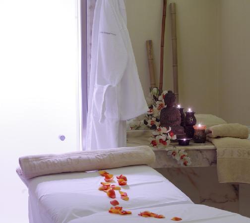 Hotel Carlos I Silgar: Cabina Tratamientos