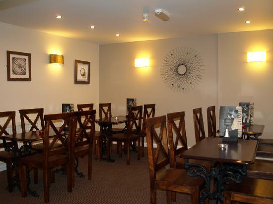 Smiths Hotel: •Restaurant for quality dining - also open to non-residents