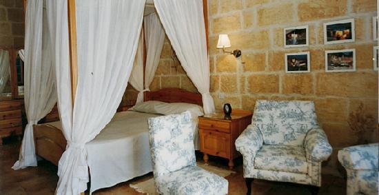 Ta' Leli: Master Bedroom