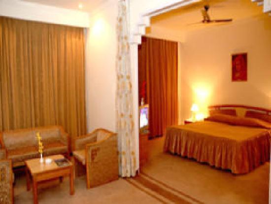 Pride Surya Mountain Resort: Room