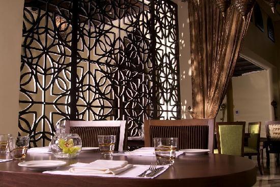Madinat Zayed, Emirados Árabes: Al Badiya Restaurant. Tilal Liwa Hotel