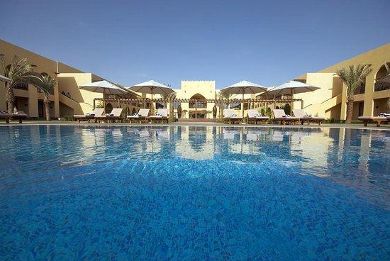 Madinat Zayed, สหรัฐอาหรับเอมิเรตส์: Exterior View. Tilal Liwa Hotel