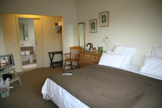 The B & B on the Hill: Comfy room
