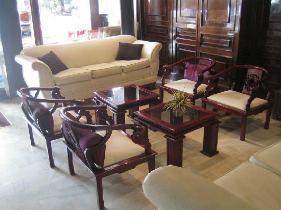 Hanoi Ideal Hotel: Lobby