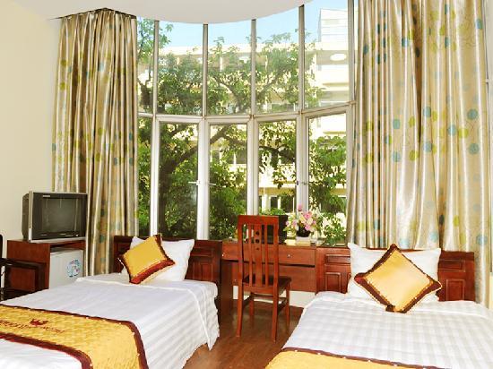 Hanoi Ideal Hotel: Family room 2