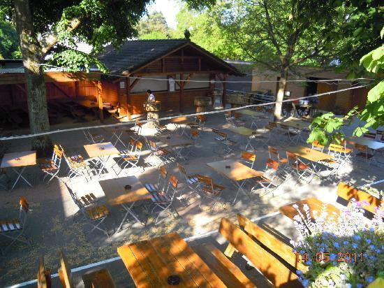 Hotel Fröhlich: wine garden