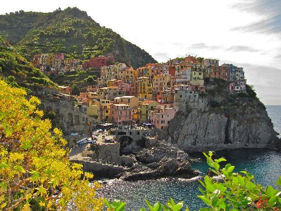 Trail 2: Beautiful Manarola