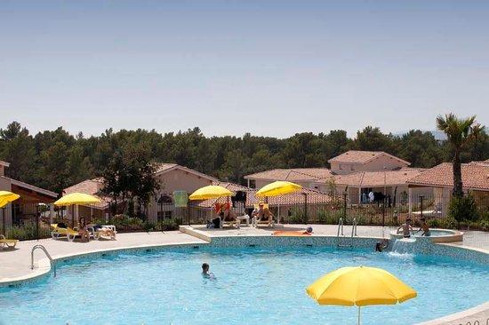 Appart'Hotel Le Domaine de Manon: Piscine