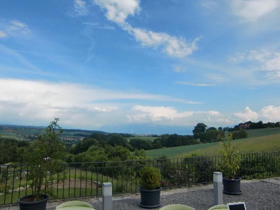 Cossonay, İsviçre: Ausblick von der Terasse