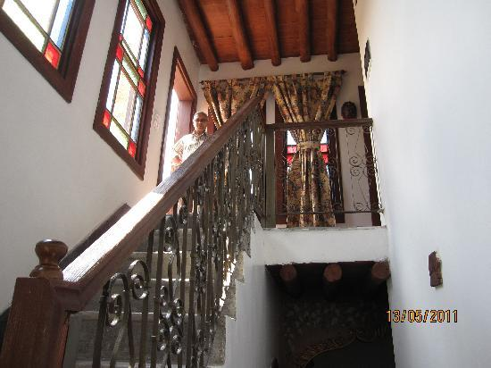 Kemareah Hotel: stairs to the roof