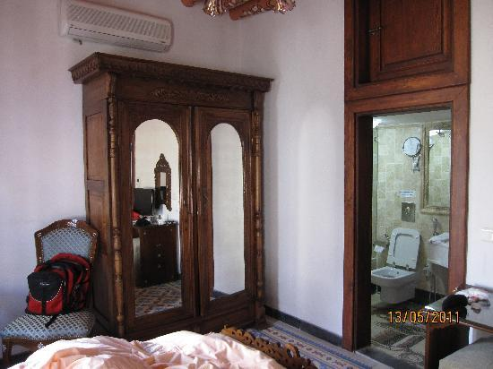 Kemareah Hotel: double room  + bath