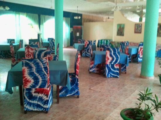 Golden Beach Hotel: Indoor restaurant