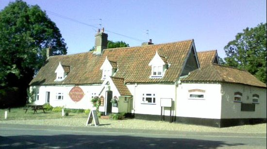 The Honingham Buck: Outside view of the pub