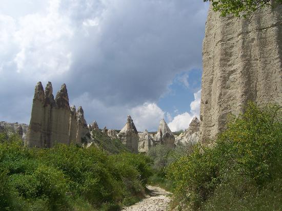 Vallée de Zemi : fairy chimneys in love valley