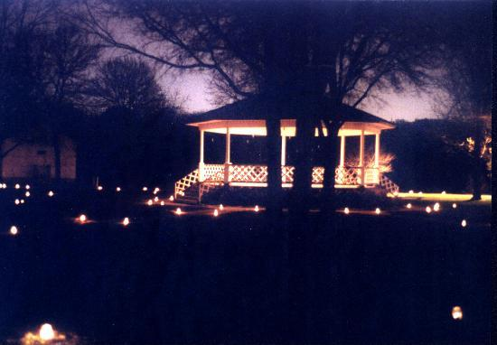Ushers Ferry Historic Village: Thanksgiving Candle Light Tour