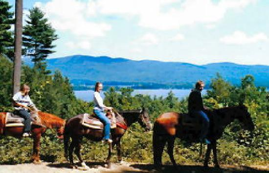 Saddle Up Stables: Beautiful views overlooking Lake George