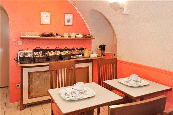 Hotel Carladez Cambronne: Buffet petit déjeuner