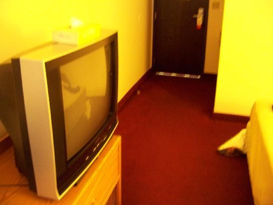 "Super 8 Grand Junction Colorado: 32"" TV"
