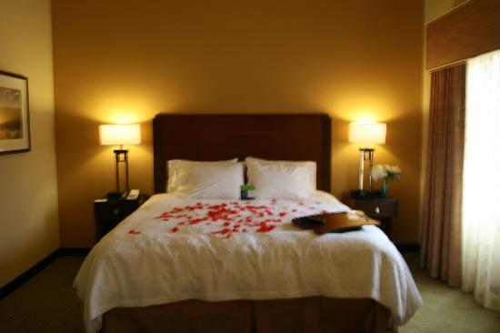 Hampton Inn & Suites Riverside/Corona East: Couples can relax