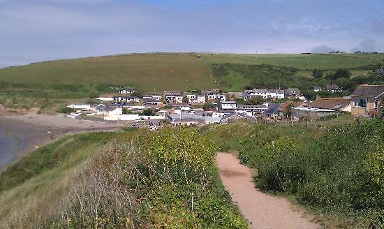 Parkdean - Challaborough Bay Holiday Park: Parkdean from the top of the hill path