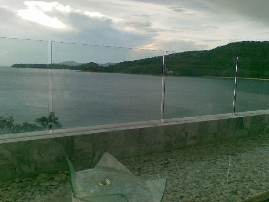 Cape Sienna Hotel & Villas: panorama dalla piscina